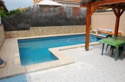 Chalet Pareado con piscina en Cas Miot, Pon´d Inca, 2 plantas, 3 dormitorios, 2 baños, cocina amueblada , Terraza, Garaje, bien comunicado